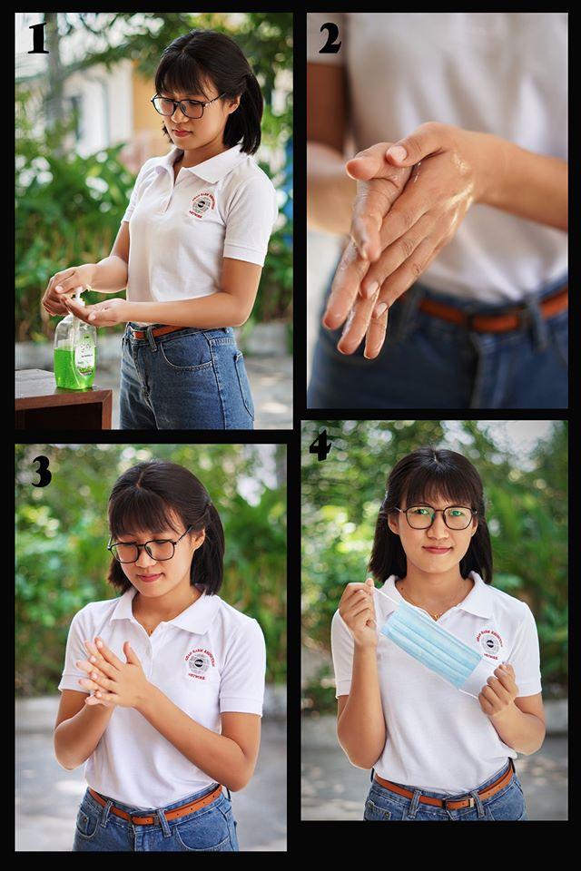 ပါးစပ်နှင့် နှာခေါင်းစည်းမတပ်ဆင်မီ လက်ကို ရေ+ဆပ်ပြာ (သို့) လက်သန့်စင်ဆေးဖြင့် စနစ်တကျ ဆေးပါ။